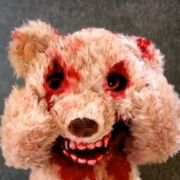 Bei diesem Teddy wird einem Angst und Bange.