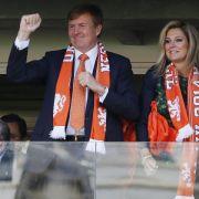 Lob von höherer Stelle - Königspaar feiert mit Oranje (Foto)