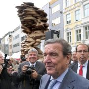 Cragg-Skulptur «Mean Average» in Bonn enthüllt (Foto)