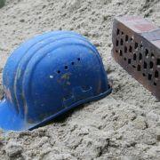 Baugrube des Neubaus nicht tiefer als bei Bestandsbauten ausheben (Foto)