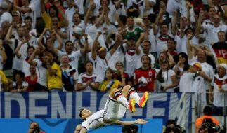 Salto nationale: Miroslav Klose feierte seinen 15. Treffer bei einer Weltmeisterschaft mit einem Salto. (Foto)
