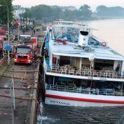 Kreuzfahrtschiff leckgeschlagen: 200 Menschen müssen nachts von Bord (Foto)