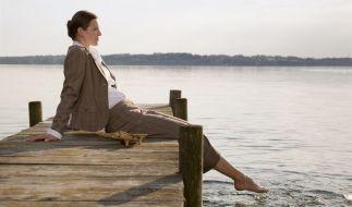 Bei starken Wechseljahresbeschwerden kann eine Hormonbehandlung sinnvoll sein. (Foto)