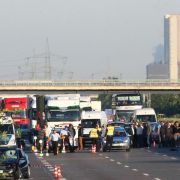 Messerstecher wird auf Autobahn überfahren (Foto)