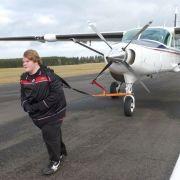 Mit seinen 220 Kilo zieht Torsten sogar ein Flugzeug! (Foto)