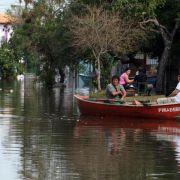 Hochwasser vertreibt 200 000 Paraguayer aus ihren Wohnungen (Foto)