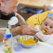 Väter profitieren mehr vom Elterngeld als Mütter (Foto)