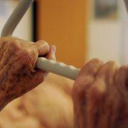 Pfleger misshandeln Demenzkranke bei Todesspielen (Foto)