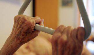 Horror-Skandal in Dessau: In einem Pflegeheim wurden Senioren brutal misshandelt und für perverse Todesspiele missbraucht. (Foto)