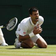 Beckers banger Moment - Djokovic trotz Sturz weiter (Foto)