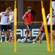 Ohne Podolski gegen Algerien - Löw muss Puzzle lösen (Foto)