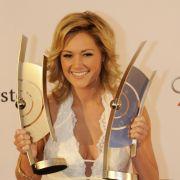 Tief dekolletiert mit unverwechselbarem Lächeln 2009 bei der Echo-Verleihung.
