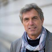 Stuttgart bestätigt Adrion als Nachwuchsleiter (Foto)