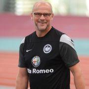 Schaaf startet in Frankfurt - nur 15 Spieler auf Schalke (Foto)