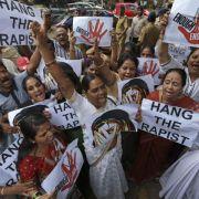 Indischer Abgeordneter droht Gegnern mit Vergewaltigung (Foto)