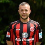 Fürth holt Mittelfeldspieler Schröck zurück (Foto)