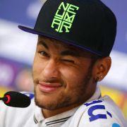 Zwischen Hinterhof und «Krieg»: Neymar plaudert (Foto)