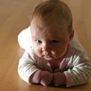 Für Rachel kam der Kindersegen unverhofft. Sie dachte, wegen ihrer verfrühten Menopause nicht schwanger werden zu können. (Symbolbild)
