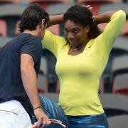 Volltreffer?! Hat sie ihr Trainer geschwängert? (Foto)