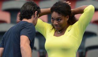 Verliebte Blicke: Serena Williams und ihr Trainer Patrick Mouratoglou. (Foto)