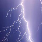 Blitzeinschlag setzt Ehebett in Brand (Foto)