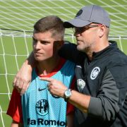 Trainingsstart in Frankfurt - Bendtner Top-Kandidat (Foto)