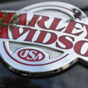 Harley Days locken Tausende Motorradfans nach Hamburg (Foto)