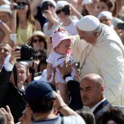 Papst fordert Europa zu mutiger Flüchtlingshilfe auf (Foto)