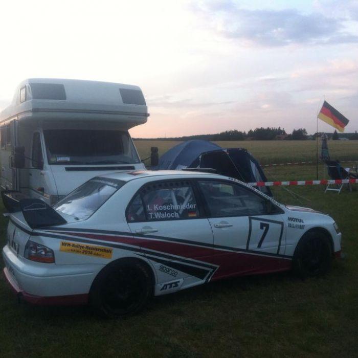 Hobby-Rennfahrer fährt bei ADAC-Rallye in den Tod (Foto)