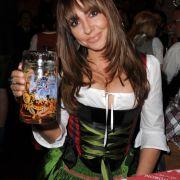Angeklagt wegen Brüste-Bericht! (Foto)