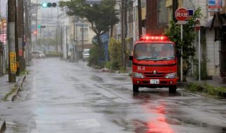 Heftiger Taifun hält Japan in Atem (Foto)