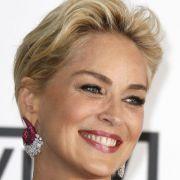 Sharon Stone spendet Kleider für guten Zweck (Foto)