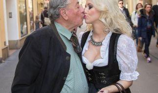 Cathy Schmitz möchte zu Richard Lugner ziehen (Foto)