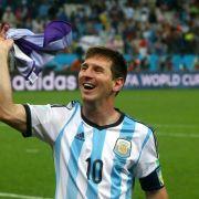 Bei WM-Sieg: Maradona will Messi roten Teppich ausrollen (Foto)