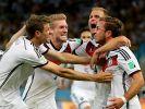 Heilsbringer Mario Götze: Der umstrittene Star trifft zum 1:0. (Foto)