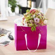 Blumensträuße bleiben in Geschenktaschen länger frisch (Foto)