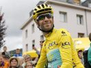 Vincenzo Nibali fährt nach seinem Etappensieg wieder in Gelb. (Foto)