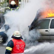 Das richtige Verhalten bei einem Fahrzeugbrand (Foto)