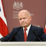 Premier Cameron bildet Kabinett um: Außenminister Hague geht (Foto)