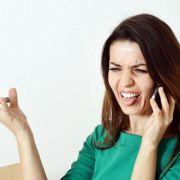Unfreundliches Verhalten kann Grund für Abmahnung sein (Foto)