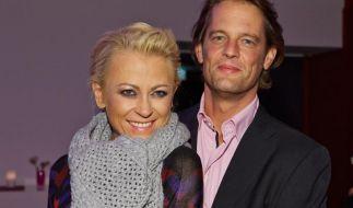 Ein Bild aus glücklicheren Tagen: Jenny Elvers mit ihrem Verlobten Steffen von der Beeck. (Foto)