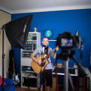 Schminken, Singen, Spielen: Jugendliche als Videostars (Foto)