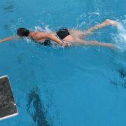 Schwimmen eignet sich für Schwangere besonders gut (Foto)