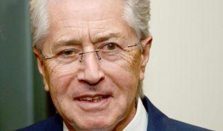 Für eine neue WDR-Comedy hat sich Frank Elstner beerdigen lassen. (Foto)