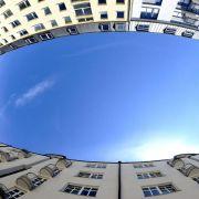 Postbank: Immobilienkauf kann sich trotz hoher Preise lohnen (Foto)