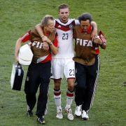WM-Referee: Kramer nach Kopf-Schlag desorientiert (Foto)
