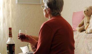«Wer Sorgen hat, hat auch Likör» - Senioren in der Alkoholfalle (Foto)