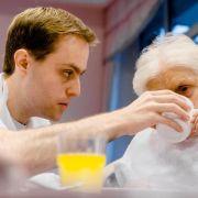 Mehr Jugendliche lernen Altenpfleger (Foto)