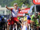 Der Norweger Alexander Kristoff (M.) gewann die 12. Etappe. (Foto)