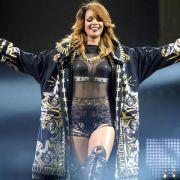 Rihanna weiß ihre Kurven gekonnt in Szene zu setzen. Bei einer Größe von 1,73 m wiegt die Sängerin etwa 62 Kilo.